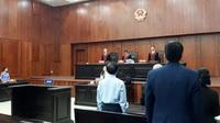 Hoãn phiên tòa xét xử ly hôn vợ chồng Trung Nguyên.
