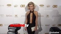 Joanna Krupa gợi cảm với váy xẻ sâu