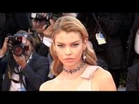 Stella Maxwell xinh đẹp dự LHP Cannes