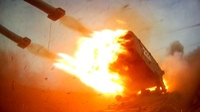 """Pháo """"lửa mặt trời"""" của Nga nã """"mưa"""" hỏa lực gây choáng ngợp"""