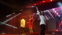 Vũ khúc nóng bỏng của nữ sinh Cuba trong cuộc thi Hoa khôi