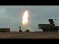 """Khoảnh khắc """"rồng lửa"""" S-400 lên nòng, dội hỏa lực uy lực vào mục tiêu"""