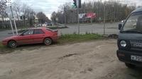 Video thiết giáp Nga vượt đèn đỏ, đâm thẳng ô tô trên đường
