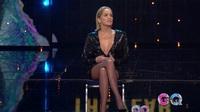 """Sharon Stone tái hiện lại cú vắt chân kinh điển trong """"Bản năng gốc"""""""