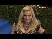 Madonna dự Met Gala