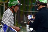 """Vé trận Việt Nam - UAE: Dân phe """"hét"""" giá gấp nhiều lần"""