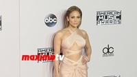 Jennifer Lopez điệu đà trên thảm đỏ
