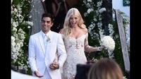 Devon Windsor rạng rỡ trong hôn lễ