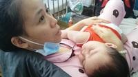 Dịch sởi bùng phát khiến nhiều trẻ chưa chích ngừa nhiễm bệnh