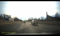 Honda CR-V luồn lách trên đường cao tốc và cái kết đắng