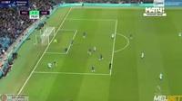 Sterling lập cú đúp vào lưới Chelsea