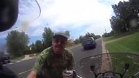 Tài xế bung cửa lao ra sau va chạm với người đi môtô