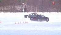 Cận cảnh siêu xe bọc thép của ông Putin chạy đua trên tuyết