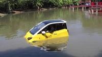 Đại gia Nhật muốn bán ô tô lội nước giá 250 triệu tại Việt Nam