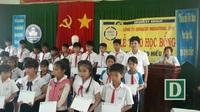 Công ty Grobest Việt Nam trao học bổng cho học sinh nghèo tỉnh Quảng Ngãi