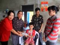 Bình Định: Bạn đọc Dân trí trao tiếp cụ Nguyễn Lừng hơn 121 triệu đồng