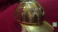 Cận cảnh chiếc nón vàng gần 1,85 tỷ đồng của đại gia Sài Gòn