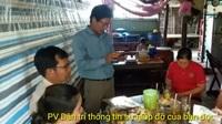 Trao tiền bạn đọc Dân trí đến hoàn cảnh khó khăn ở U Minh.