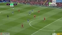 Willian khiến Liverpool thót tim với pha sút bóng chệch cột dọc