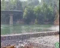 Đổ hàng nghìn khối đá xây kè lấn sông Mã để làm nhà xưởng