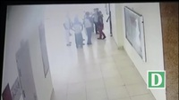 Bảo vệ quyền lợi cho cư dân, một người đàn ông bị đánh hội đồng