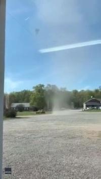 """Video """"bụi quỷ"""" gần công trường xây dựng ở Virginia"""