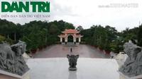 Tham quan Khu tưởng niệm Chủ tịch Hồ Chí Minh tại Cà Mau.
