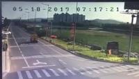 Khoảnh khắc máy bay quân sự Trung Quốc cắm đầu xuống đất nổ tung