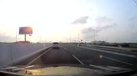 Chuyển làn đột ngột trên cao tốc - Hiểm hoạ khó lường