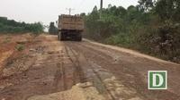 """Hà Nội: Nhà dân nứt vỡ, đường xã bụi mù mịt vì xe """"hổ vồ"""" hoạt động ngày đêm"""