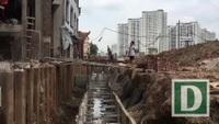Hà Nội: Người dân bắc cầu vào nhà trên đường nghìn tỷ