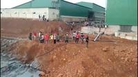 Người dân phản đối việc xả thải của nhà máy đá bazan