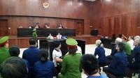 Bà trùm ngân hàng Đông Á ngất xỉu khi tòa tuyên án