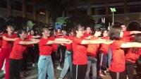 Học sinh lớp 12 Trường THPT Trưng Vương, TPHCM múa dân vũ trong ngày hội Tuổi 18