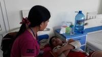 Con trai mắc bệnh hiểm nghèo, người mẹ khốn đốn cầu cứu