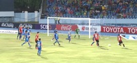 Chonburi 2-0 Muanthong: Sự bất lực của Văn Lâm