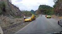 Lamborghini Aventador S gặp nạn trên cao nguyên Mộc Châu