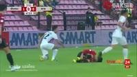 Văn Lâm chơi chắc chắn, Muangthong thắng đậm đối thủ mạnh Trat FC