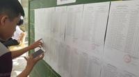 Thí sinh Nha Trang làm thủ tục dự thi THPT quốc gia