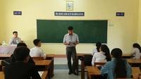 Giám thị coi thi phổ biến quy chế thi cho các thí sinh tại Phú Yên