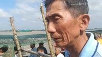 Du khách thích thú với cảnh dở chà bắt cá ở miền Tây