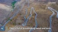 """""""Nghẹt thở"""" với tuyến đường nguy hiểm dài 30km có tới 72 khúc cua"""