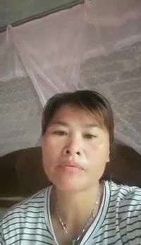 Đoạn clip ghi lại hình ảnh một người phụ nữ Việt Nam nói tiếng Việt không rõ tâm sự về việc chị lưu lạc ở Trung Quốc hàng chục năm nay .