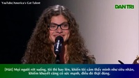 """Cô gái 15 tuổi với tài năng đàn hát chinh phục nam danh ca """"The World"""" Brad Paisley"""