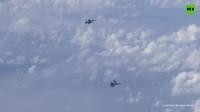 """Cận cảnh """"hổ mang chúa"""" Su-27 của Nga chặn """"ong bắp cày"""" của NATO trên biển Baltic"""