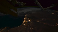Trái Đất khi đêm xuống nhìn từ Trạm vũ trụ của NASA