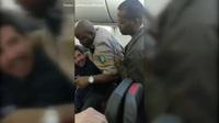 Video cảnh sát Mỹ chích súng điện đối tượng gây rối loạn an ninh hàng không
