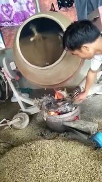 Dùng máy trộn bê tông sấy lúa