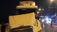 Video hiện trường xe Container tông 3 xe máy trên cầu Thanh Trì