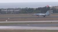 """""""Sát thủ trên không"""" Su-35 của Nga nhào lộn mãn nhãn"""